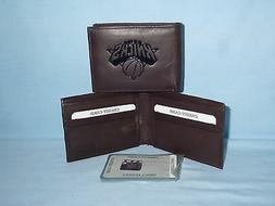 New York NY KNICKS   Leather BiFold Wallet   NEW   dkbr 3s